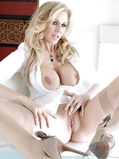 Moms Pornstars Pics
